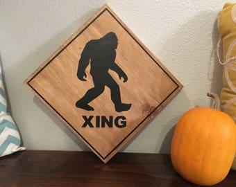 Bigfoot Sign, LARGE Bigfoot Xing Sing, Big Foot Wood Sign, Bigfoot Crossing Sign, Big Foot Sign, Bigfoot Decor, Funny Sign