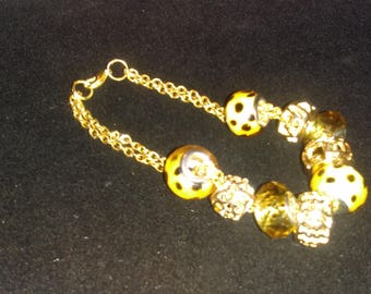 No. 30030 Beautiful Yellow with Purple Dots and Silver Large Hole Beaded Bracelet