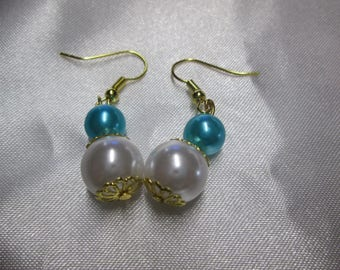 Saucers and satin Pearl Earring