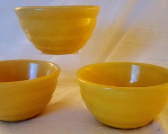 American Vintage Bauer Pottery  Yellow Ceramic Ringware #30 Beehive Bowls