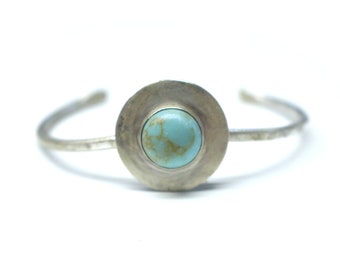 Sterling Silver Circular Bracelet with Turquoise. FREE US Standard Shipping.