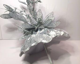 Metallic silk petals with glittered flowers umbrella centerpiece