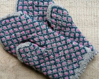 Mittens, XS size, patterned winter gloves, hand knit woman wool mitts, merino lining, Latvian trad. pattern