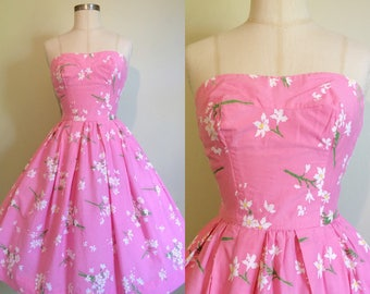 1950s Dress in Daisy Floral Print