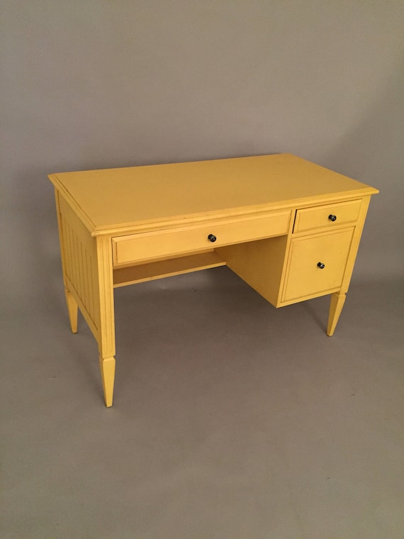 Ethan Ellen Pre Owned Yellow Secretery Desk