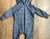 Gray hooded one-piece baby outfit, baby outfit, one-piece baby outfit, baby clothes, baby boy, baby sweatshirt. Baby