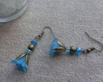 Earrings turquoise flower with support bronze