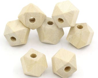 20 wooden 13mm polygon-shaped beads / geometric