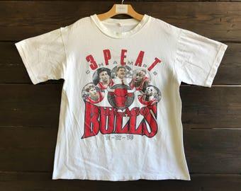 Vintage 90s Chicago Bulls Tee