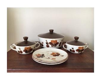 Retro cookware set