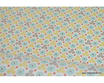 fabric cotton Poplin printed pea green stars x 50cm