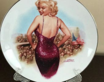Gorgeous Marilyn Monroe 1954 *For the Boys in Korea* Collectors Porcelain Plate*