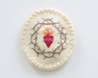 Vintage Finely Embroidered Sacred Heart of Jesus Agnus Dei Silk Badge