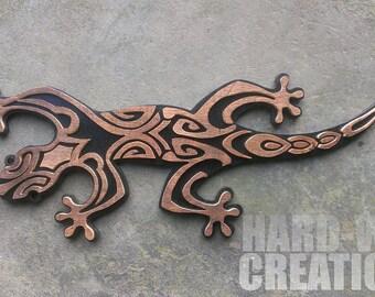 Decorative wooden wall lizard
