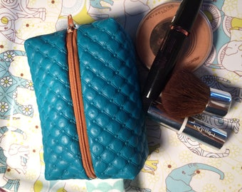 Kit faux leather quilted turquoise