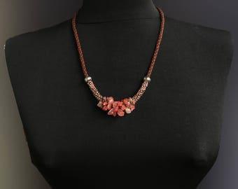 Necklace with pink quartz