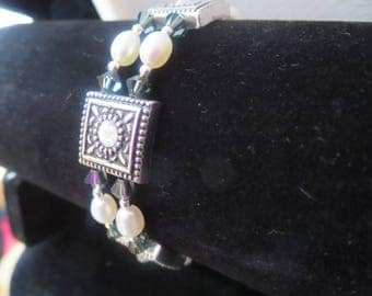 multi strand bracelet wired with Crystal and cultured pearls