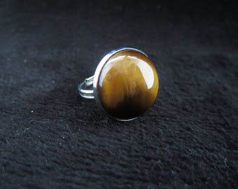 Adjustable ring with Tiger eye cabochon