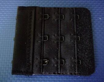 Bra color of black, 2 hooks 6 cm x 5.5 cm extension