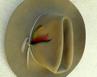 Vintage beige cowboy hat child western hat with feather boy cowgirl felt hat Dynafelt True West made in Canada 1970s