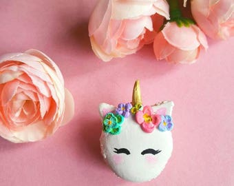 Kitty Unicorn Macaroon - Polymer Clay Macaroon - Kitty Unicorn - Unicorn Cat - Collectable - Wedding Gift - Bridal Shower - Bride Gift -