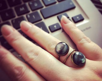 Ring bronze color and double Bohemian Black metallic studs