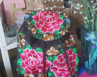 Floral Embroidered Backpack (Black)