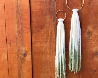 Set of two Unicorn whispers, Yarn Wallhanging, dip dye wallhanging