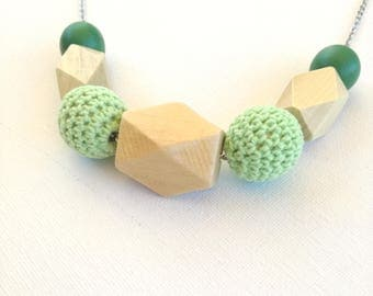 Geometric wooden necklace and crochet