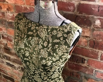 VIntage 1960's Fit & Flare Cocktail Dress - Lined Silk Brocade - Green / Gold - Size Small