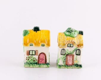 Vintage Cottage Salt and Pepper Shaker Made in Japan