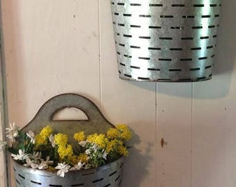 2 pc Farmhouse Galvanized metal wall pockets olive buckets