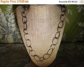 ON SALE wonderful vintage highend heavy sterling silver hammered circle link necklace