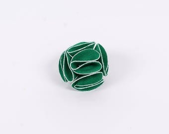 Wedding Lapel Pin, Mens green Flower Lapel Pin with white trim, suit boutonniere , Suit accessory, Gifts for Men, wedding accessory