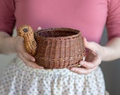 Small wicker turtle planter, plants basket, woven succulent basket, brown tortoise flower plant holder, animal basket, turtle gift