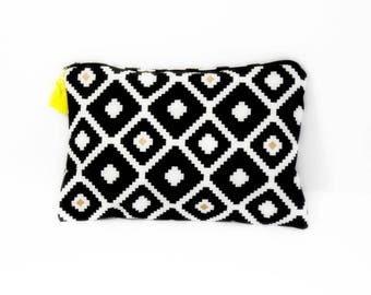 Graphic black and white makeup bag pouch