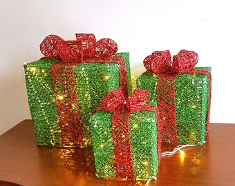 ESE LED Lighted pre-lit Christmas Presents Gift Boxes indoor Outdoor Yard Decor, sparkling, Green, Set of 3pcs