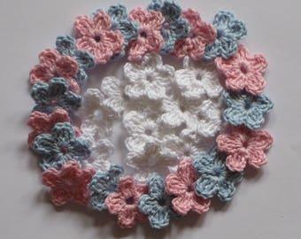 30 crocheted mini flower in 3 colors