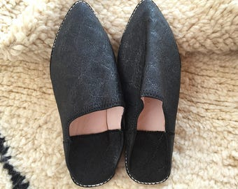 Moroccan Traditional Babouche, Handmade Leather Slippers - Black