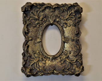 Ornate Picture Photo Frame with Oval Opening