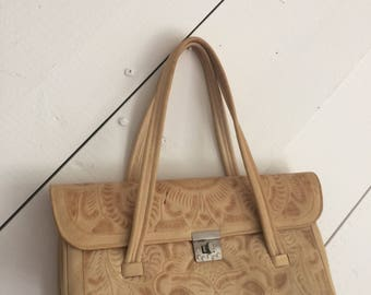 """VINTAGE 1950's """"Flores Bags"""" Handmade in Mexico Honey-Brown Tooled Leather Handbag"""