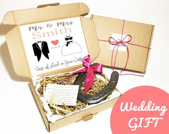 Custom Wedding Present - Wedding Gift, Country Wedding, Horseshoe Decor, Horseshoe Art, Horse Shoe, Unique Wedding Gift, Barn Wedding ideas