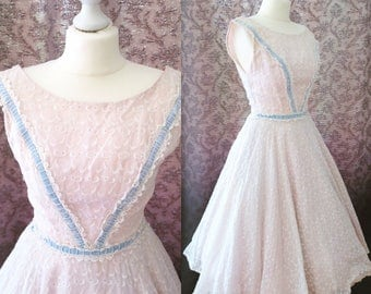 "Breathtaking 1950s broderie anglaise white circle dress - 50s eyelet prom dress with velvet trim & petticoat 24"" waist XS"
