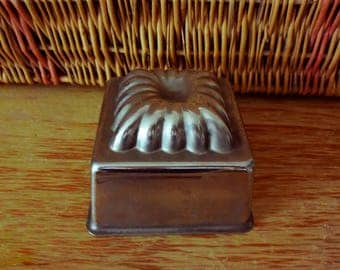 Old tin cake mold - Made in France -
