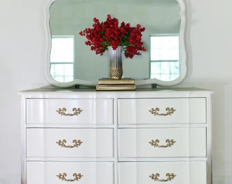 Vintage French Provincial 6 Drawer Dresser with Mirror
