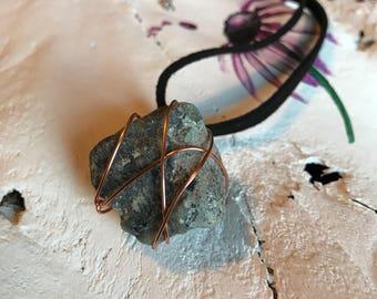Raw emerald gemstone choker  | gemstone choker