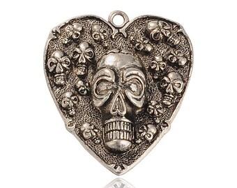 Heart 45mm decorated skull pendant