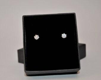Sterling silver cubic circonia stud earrings