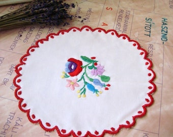 Lovely,Vintage,Hungarian handmade embroidered doily,Kalocsa flower pattern,Cottage/Shabby Chic