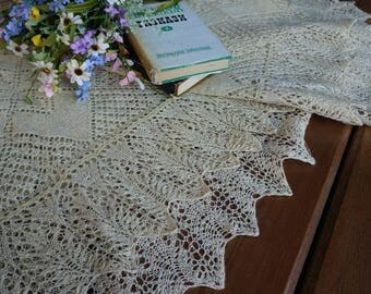 Antique crochet lace bedspread Crochet lace cover Handmade bedding throw Shabby chic home decor Rustic home decor Vintage lace bed coverlet